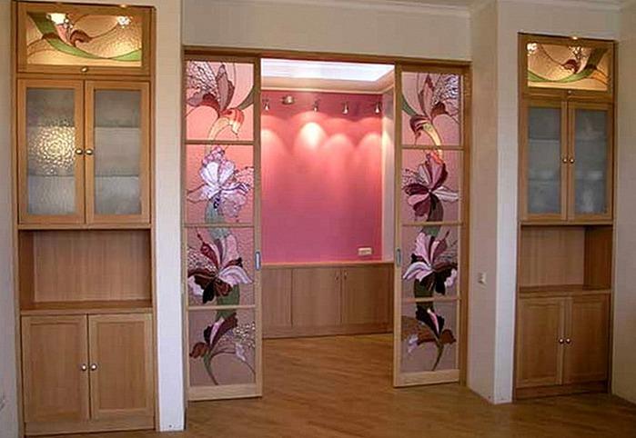 Декор стеклянных дверей фото