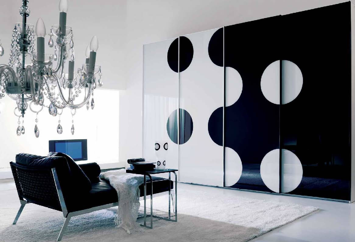 black-mirrored-glass-bedroom-furnitu-1