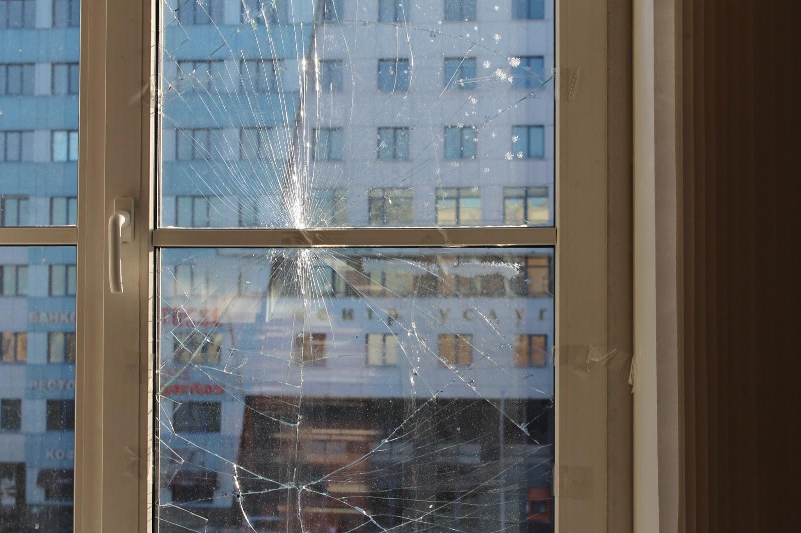 Замена стекла в стеклопакете: этапы, инструкция, вызов масте.