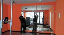 Установка зеркал в частных и коммерческих помещениях