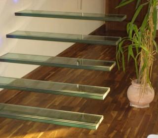 Закаленное стекло для лестниц