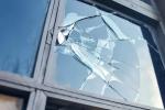 Как заменить стекло в окно?