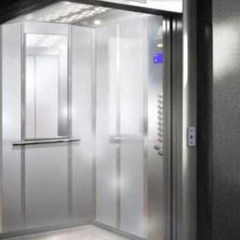Зеркало в лифт - не просто элемент декора