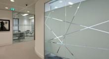 Стеклянные перегородки для офисного центра