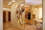 Калёное стекло в гостиной
