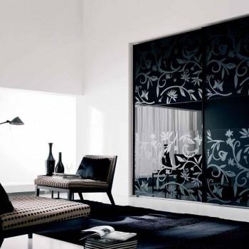 Черное стекло в интерьере