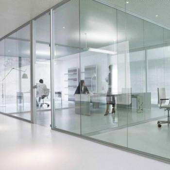 Какое стекло купить простое или оптивайт?