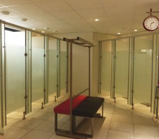 Стеклянные двери в фитнес клуб