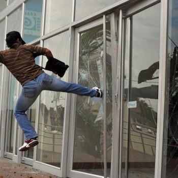 Триплекс или армированное стекло?