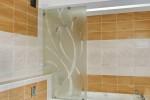 Калёное стекло в ванной комнате